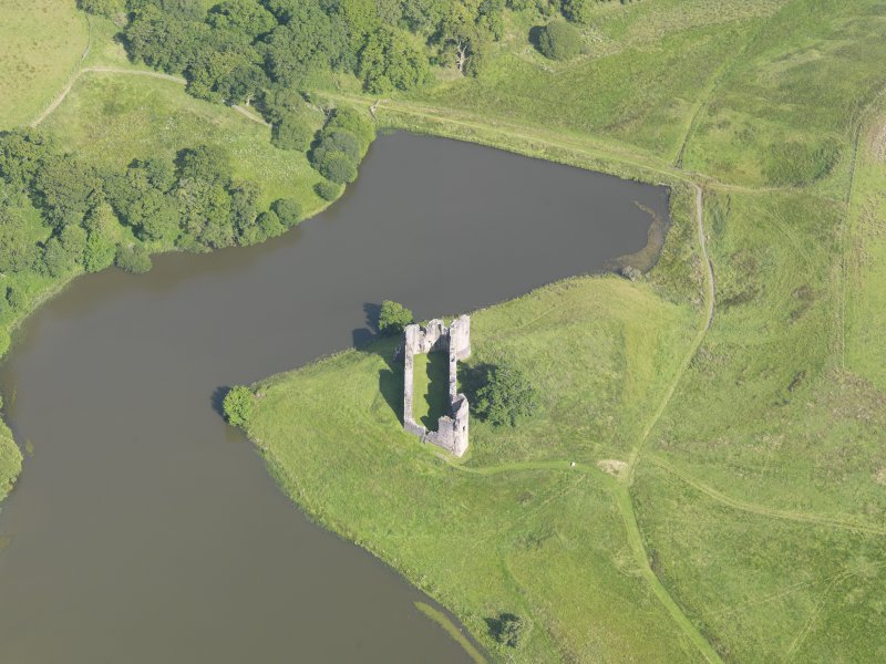 Oblique aerial view of Morton Castle, taken from the W.