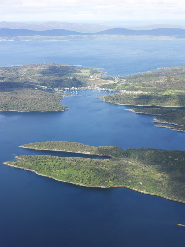 General oblique aerial view of Tayvallich and Carsaig Bay, taken from the SE.