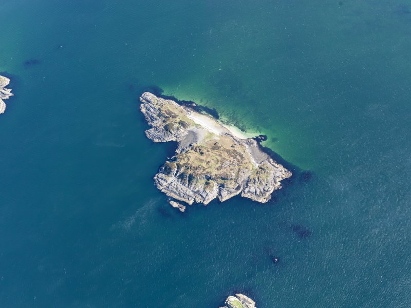 Oblique aerial view of Eilean nan Gobhar, taken from the SW.