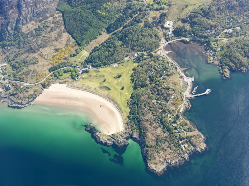 Oblique aerial view centred on Gairloch golf course, taken from the WSW.