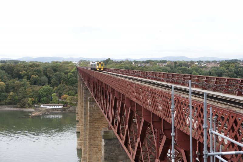 Bridge deck with train, view from cantilever to N