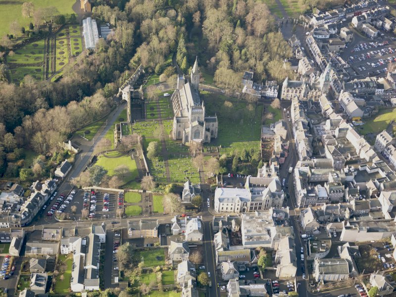 Oblique aerial view of Dunfermline Abbey, taken from the WNW.