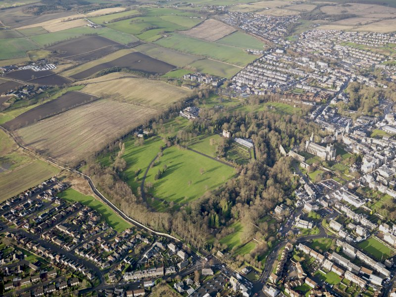Oblique aerial view of Pittencrieff Park, Dunfermline, taken from the WNW.