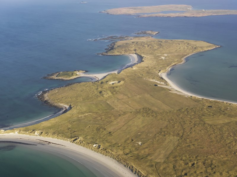 General oblique aerial view of the Udal peninsula, North Uist, taken from the SW.