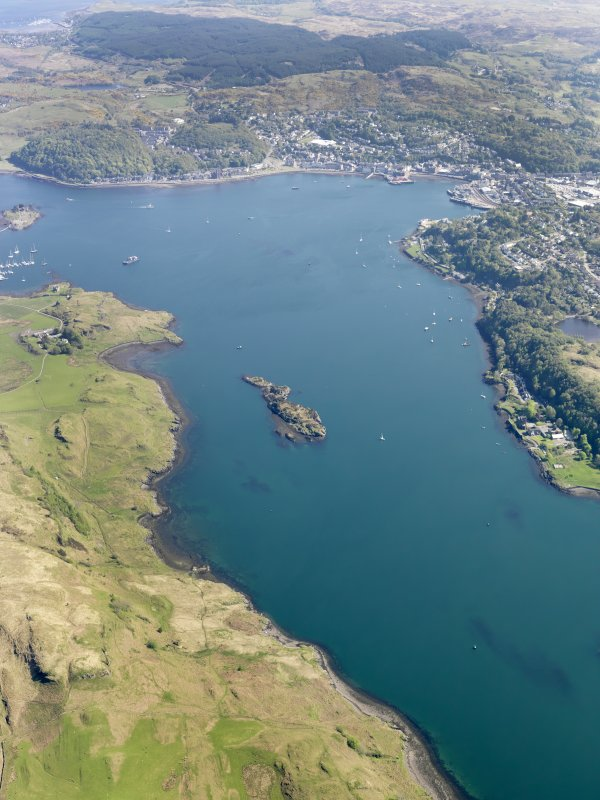 General oblique aerial view of Oban and the Sound of Kerrera, taken from the SW.