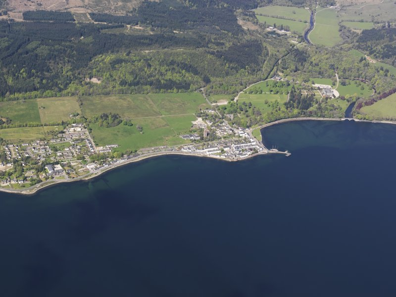 General oblique aerial view of Inveraray, taken from the SE.