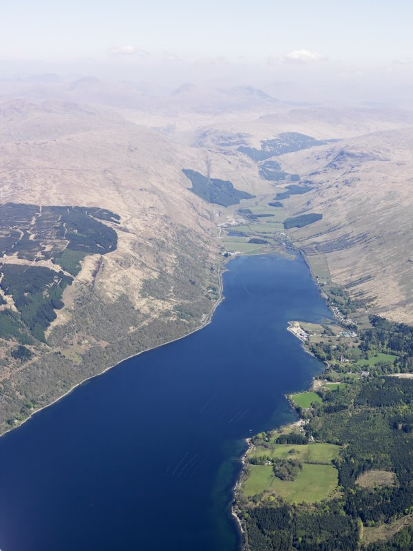 General oblique aerial view of Cairndow and Loch Fyne, taken from the SW.