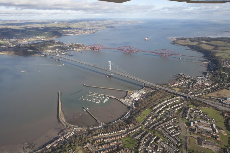 General oblique aerial view of Forth Bridge and Forth Road Bridge, taken from the SW.