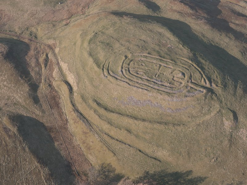 Oblique aerial view of  Castle Law fort, looking N.