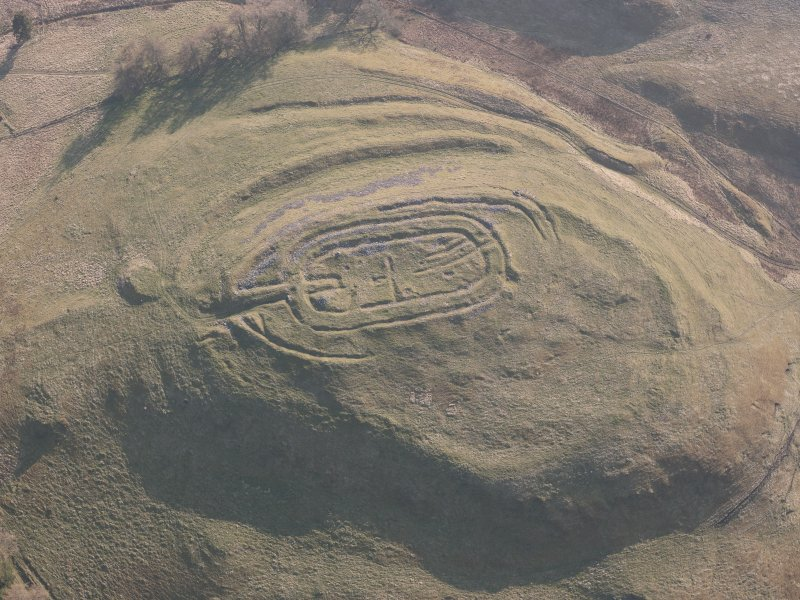 Oblique aerial view of Castle Law fort, looking SSW.