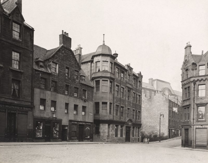 EPS/81/4  Photograph of the east end of West Port taken from the Grassmarket showing Nos 15-21 of the Grassmarket and the Women's Hostel Edinburgh Photographic Society Survey of Edinburgh and District, Ward XIV George Square