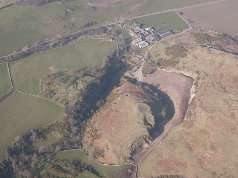 Oblique aerial view of Castle Craig and Kay Craig, looking N.
