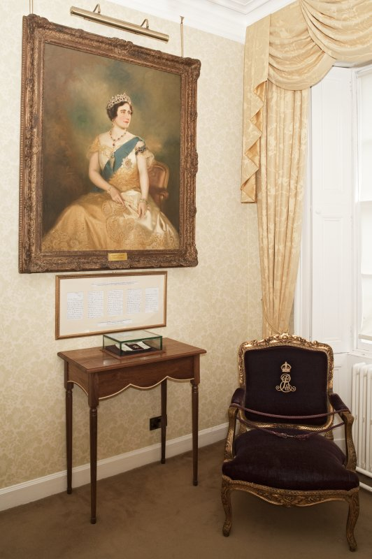 1st floor. Colonel in Chief's room. Portrait of H.M. Queen Elizabeth.