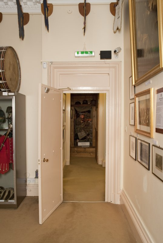 1st floor. Gallery 4. Doorway.