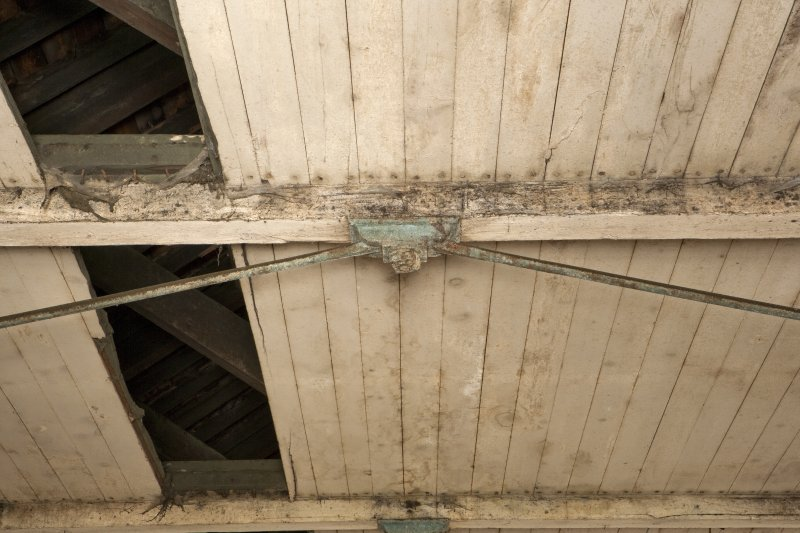 Interior. Spinning mill, 5th floor, main room, detail of tie rod