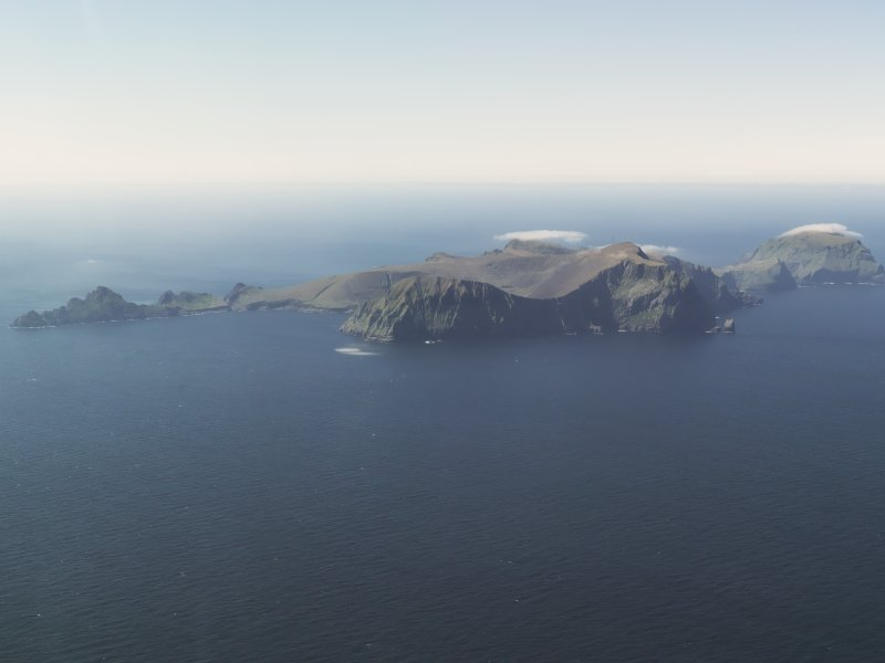 General oblique aerial view of St Kilda, taken from the NE.