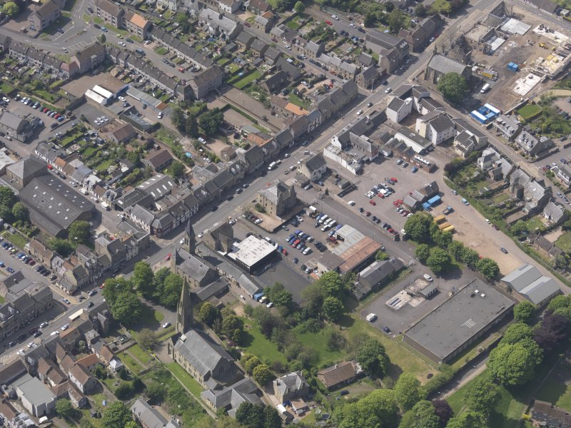 General oblique aerial view of the Bonnygate area of Cupar centred on Preston Lodge, taken from the NNE.