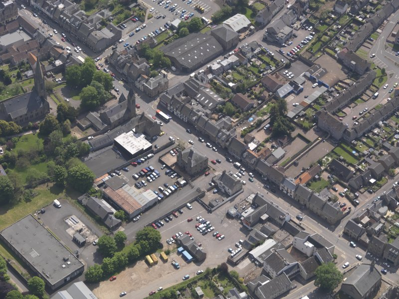 General oblique aerial view of the Bonnygate area of Cupar centred on Preston Lodge, taken from the NW.