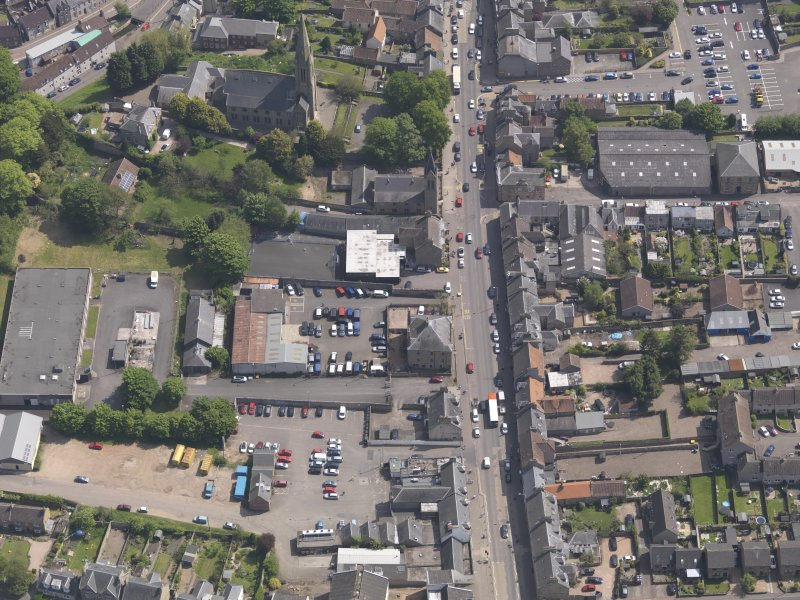 General oblique aerial view of the Bonnygate area of Cupar centred on Preston Lodge, taken from the W.