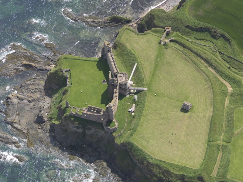 Oblique aerial view of Tantallon Castle, taken from the NW.