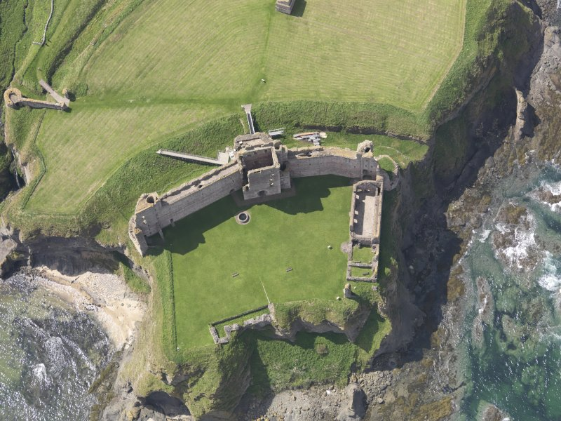 Oblique aerial view of Tantallon Castle, taken from the NE.