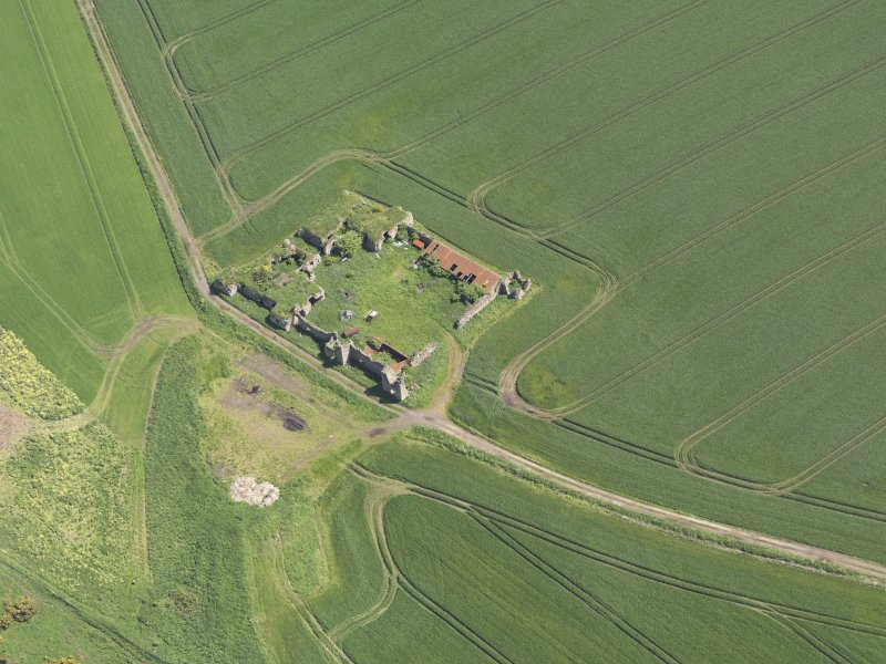 Oblique aerial view of Barnes Castle, taken from the NW.