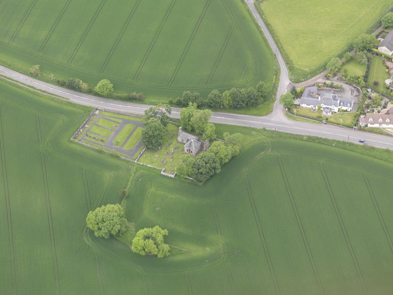 Oblique aerial view of Aberuthven Church, taken from the SE.