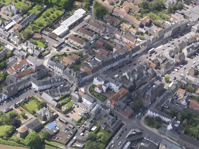 Oblique aerial view of Haddington centred on the George Hotel, taken from the NE.