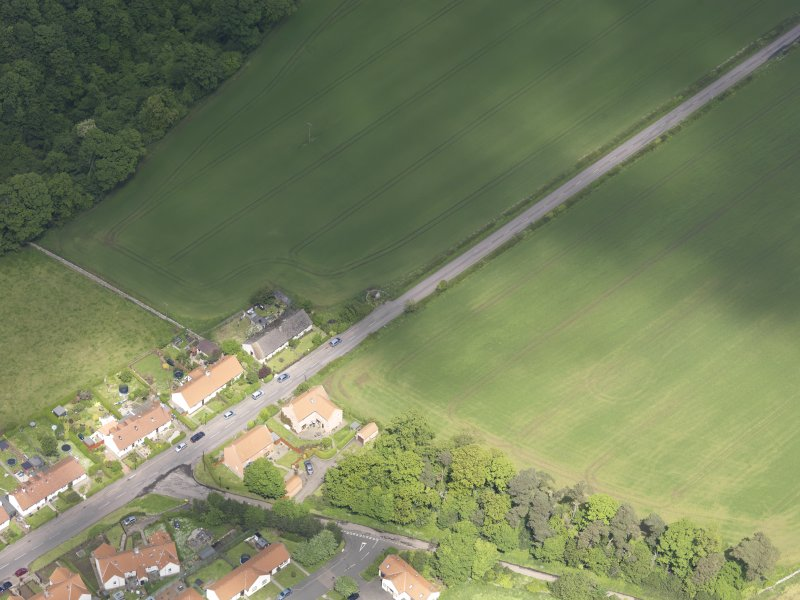 Oblique aerial view of Rood Well Stenton, taken from the S.