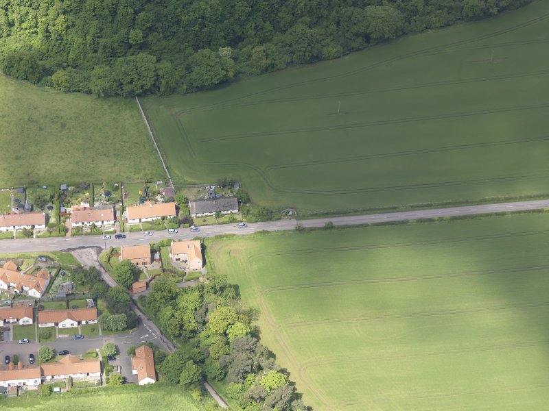 Oblique aerial view of Rood Well Stenton, taken from the SE.