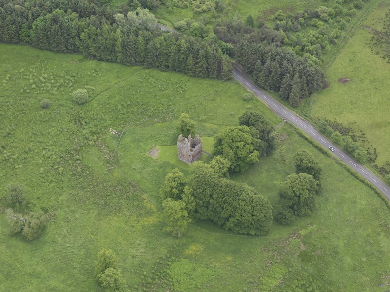 Oblique aerial view of Greenknowe Tower, taken from the NW.
