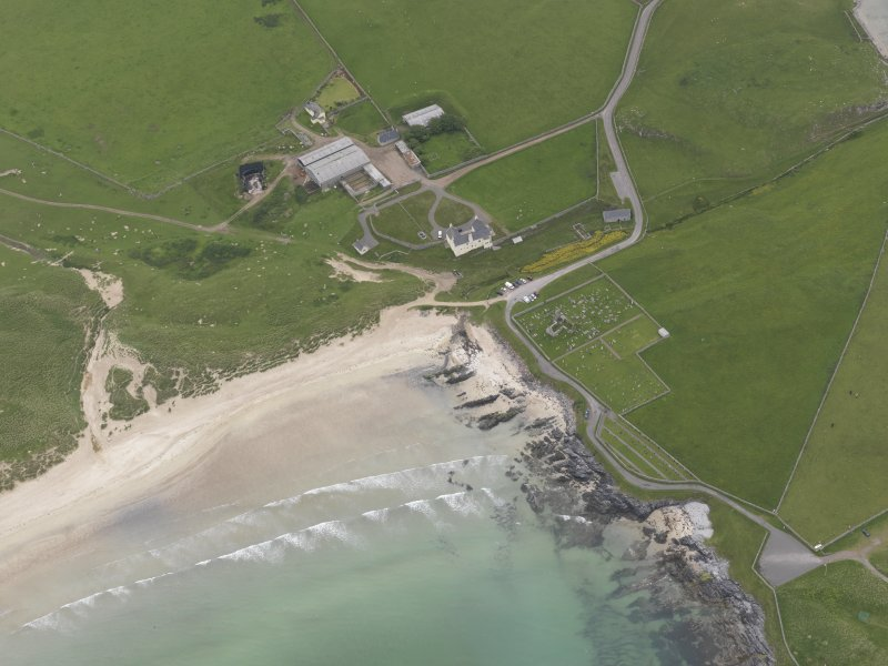 Oblique aerial view centred on Balnakeil House and Durness Parish Church, looking SE.
