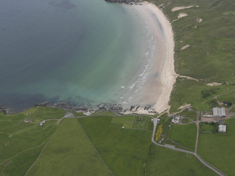 General oblique aerial view of Balnakeil Bay, centred on Balnakeil House and Durness Parish Church, looking NE.