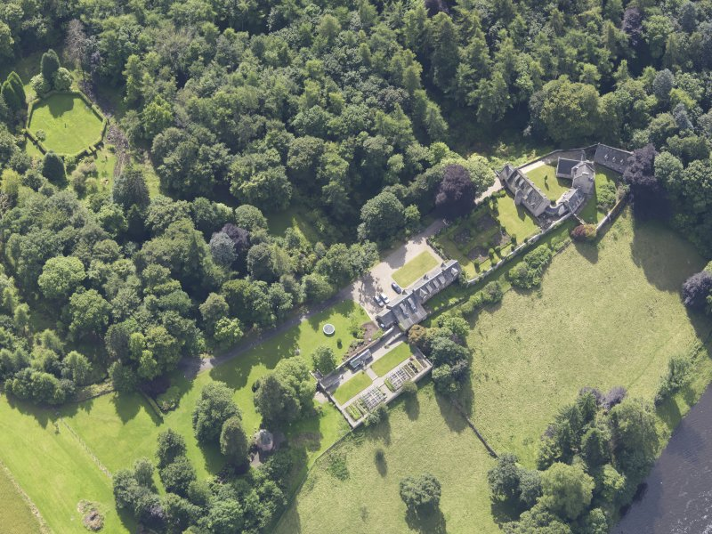 Oblique aerial view of Stobhall Castle, taken from the NW.