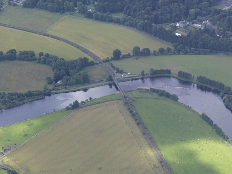 Oblique aerial view of Dalguise Viaduct, taken from the NE.