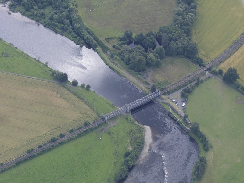 Oblique aerial view of Dalguise Viaduct, taken from the NW.