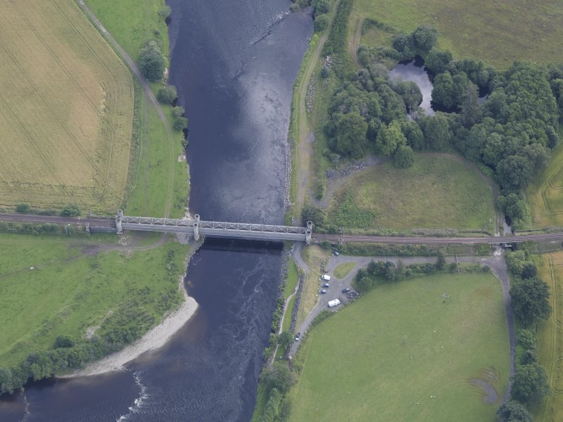 Oblique aerial view of Dalguise Viaduct, taken from the WNW.