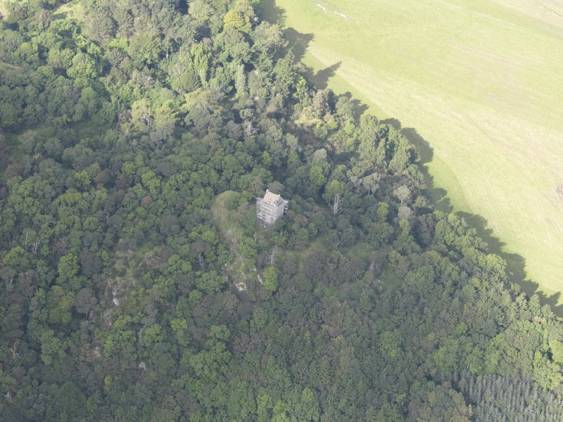 Oblique aerial view of Fatlips Castle, taken from the SE.