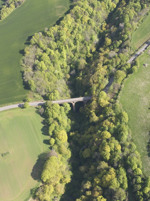 General oblique aerial view of Pease Dean, Pease Bridge, looking SW.