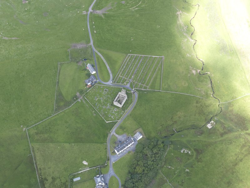 Oblique aerial view of Kilchoman House and Kilchoman Old Parish Church, looking NNW.