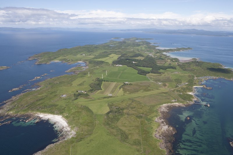 General oblique aerial view of the Isle of Gigha and Sound of Gigha, looking NNE.