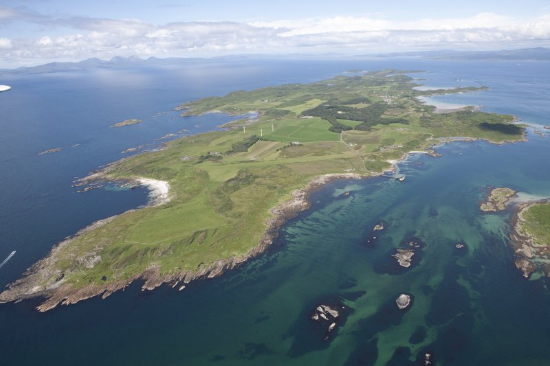 General oblique aerial view of the Isle of Gigha and Sound of Gigha, looking N.
