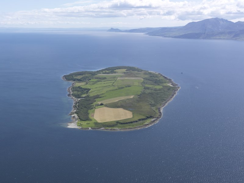 General oblique aerial view of Inchmarnock Island, looking S.