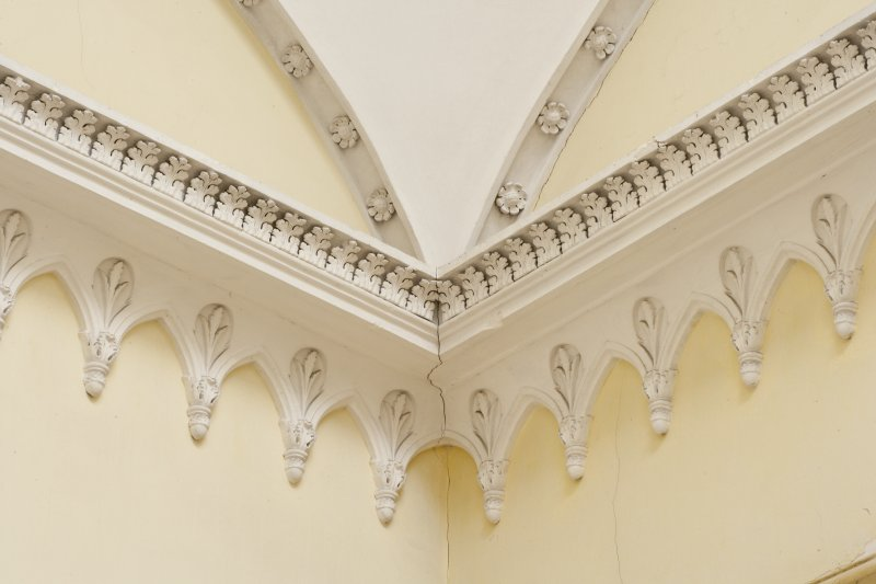 Second floor. Landing. String course plasterwork.