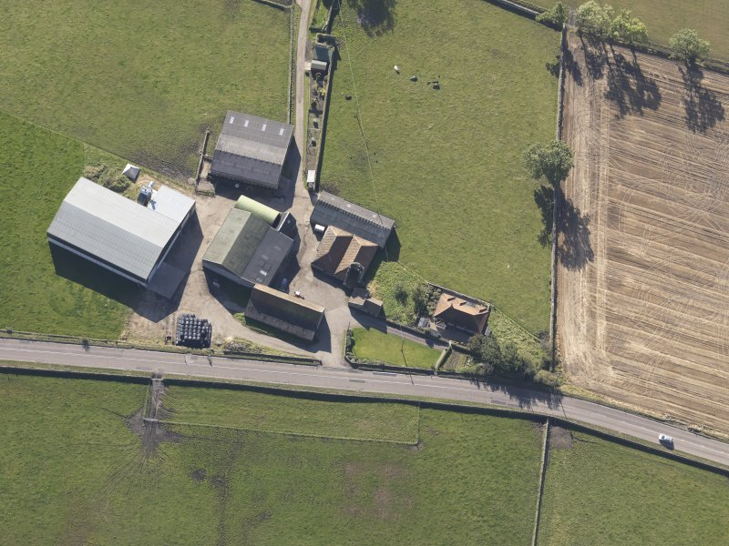 Oblique aerial view of Bordie Farm Tower, taken from the N.