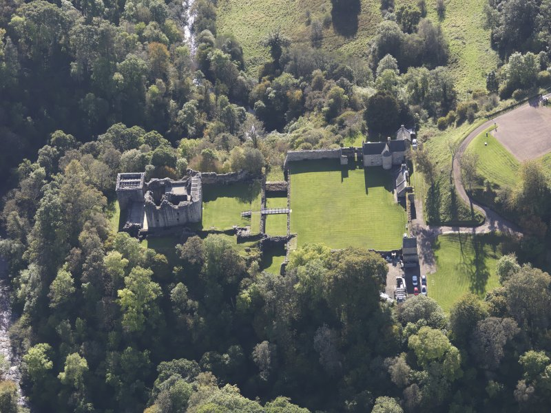 Oblique aerial view of Craignethan Castle, taken from the N.