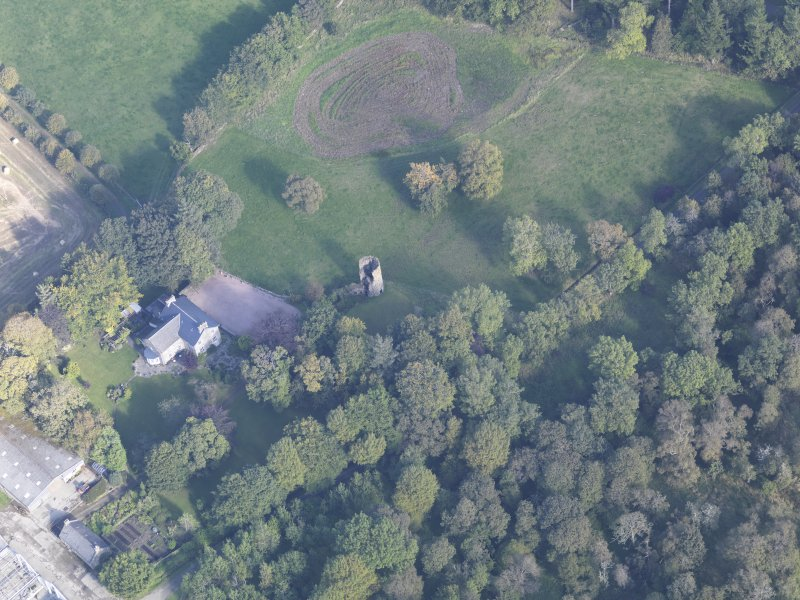 Oblique aerial view of Asloun Castle, taken from the SW.