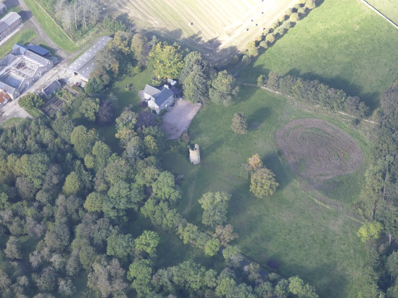 Oblique aerial view of Asloun Castle, taken from the SE.