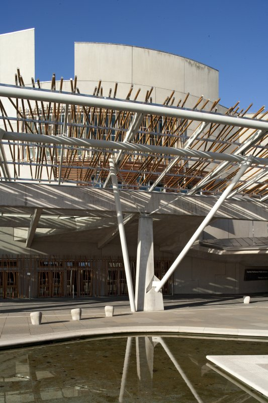 View of the support trusses of the pergola and glazed canopy on the east elevation of the Scottish Parliament