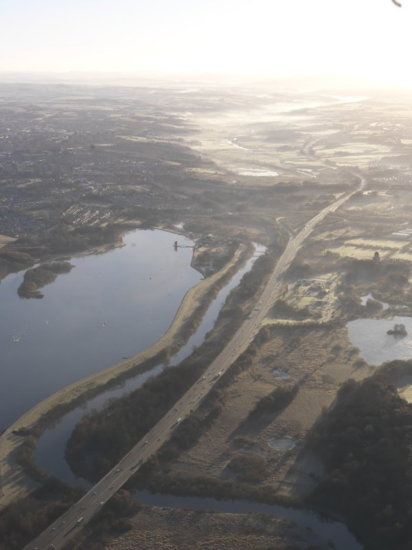 General oblique aerial view of Strathclyde Loch, the River Clyde and the M74, looking ESE.